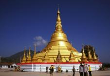 佛教在印度经过一百多年的和平发展